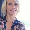 Rijpe blondine van 58 zoekt man voor leuke en duurzame relatie